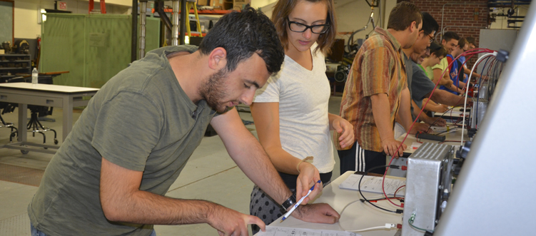 Students working in the electrical engineering lab